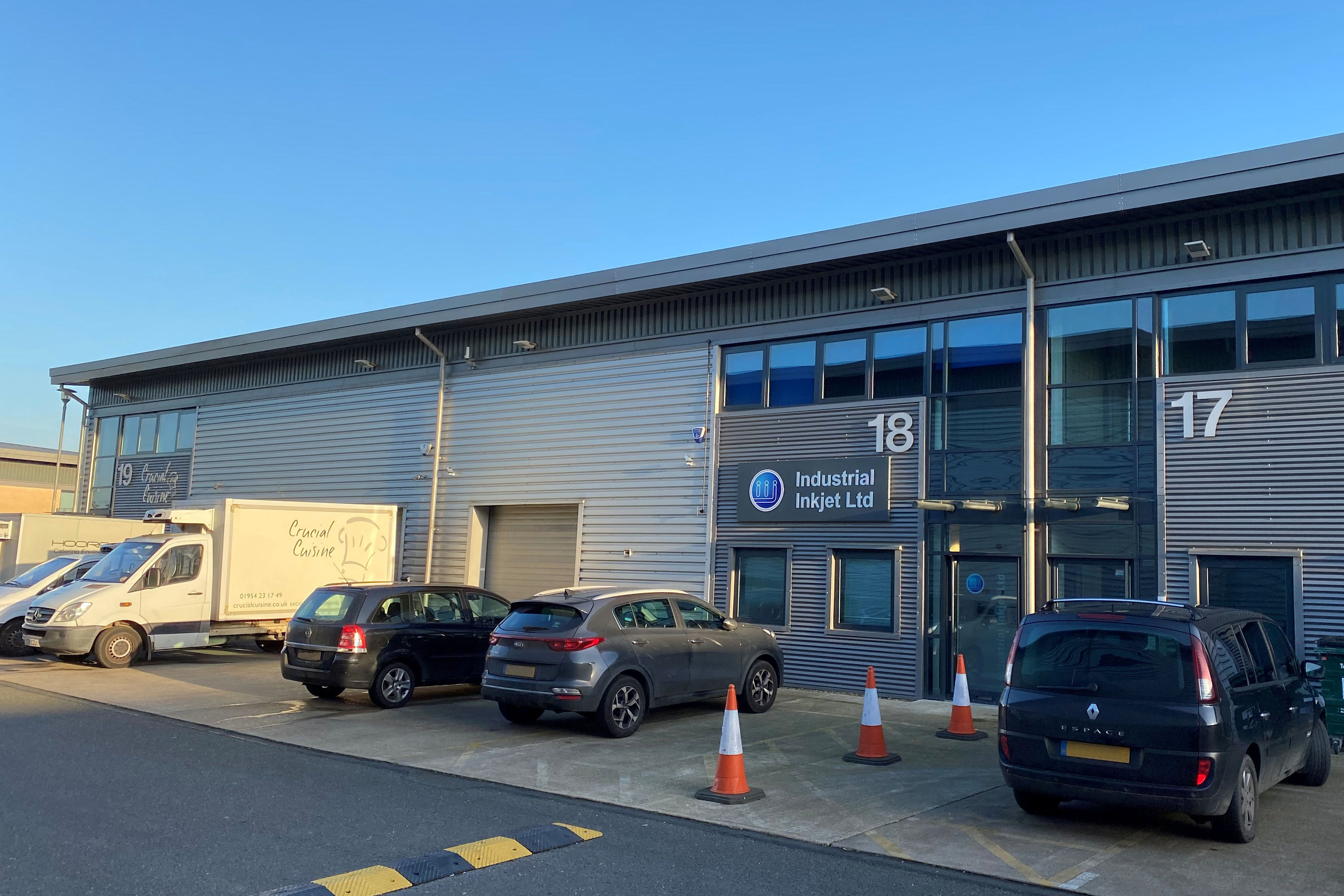 LABORATORY AND OFFICES TO LET AT BUCKINGWAY BUSINESS PARK