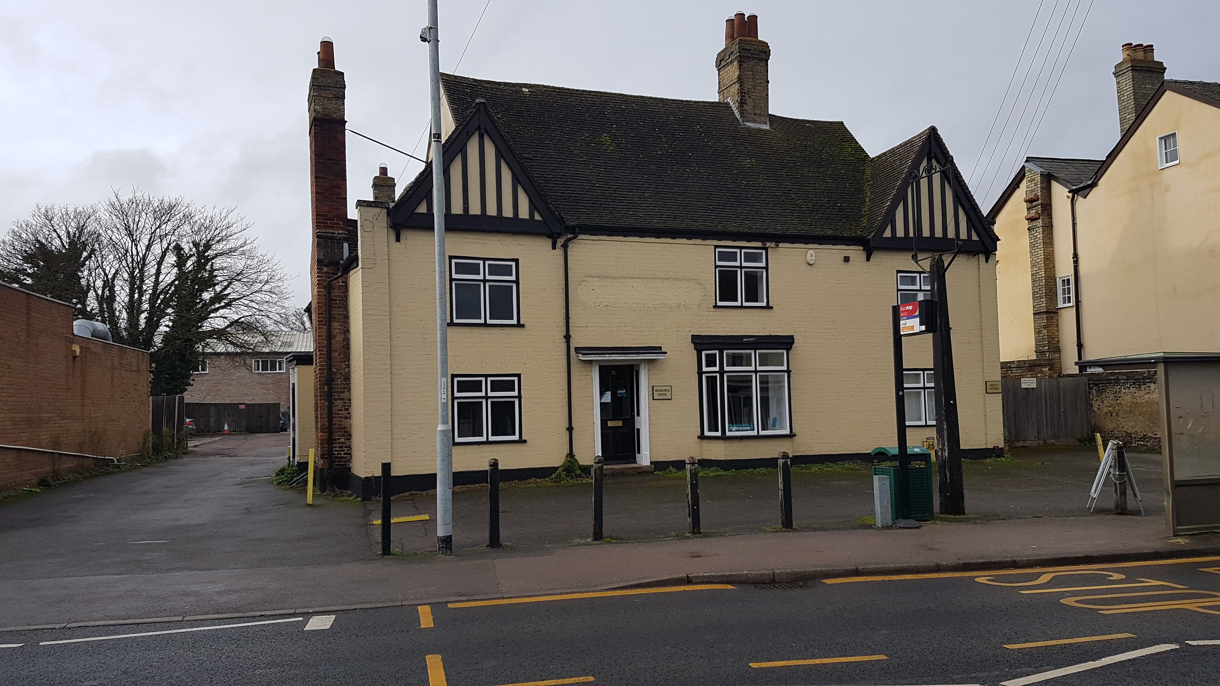 FORMER PERIOD PUB FOR RENT AS OFFICES